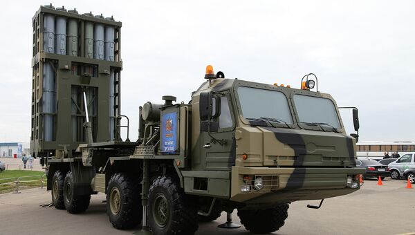 Зенитная ракетная система средней дальности С-350Е Витязь. Архивное фото