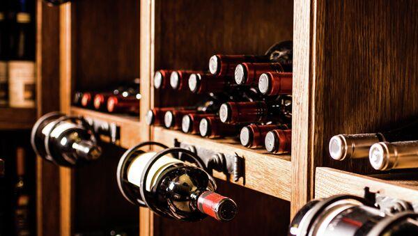 Бутылки вина. Архивное фото