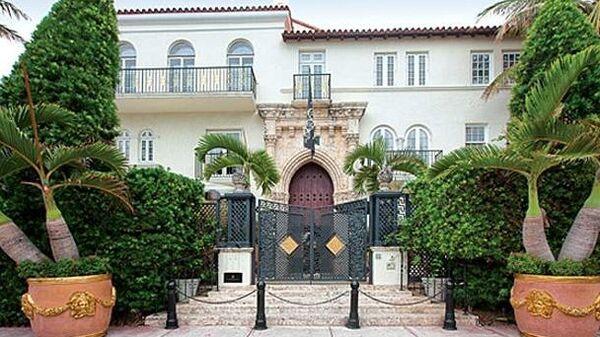 Особняк Casa Casuarina в пригороде Майами, ранее принадлежавший модельеру Джанни Версаче