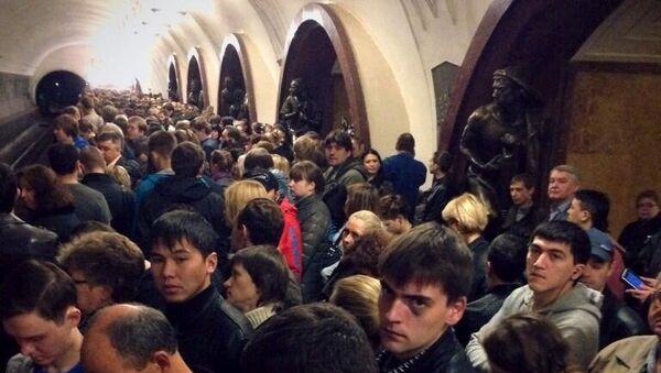 Сбой поездов в московском метро. Фото с места события