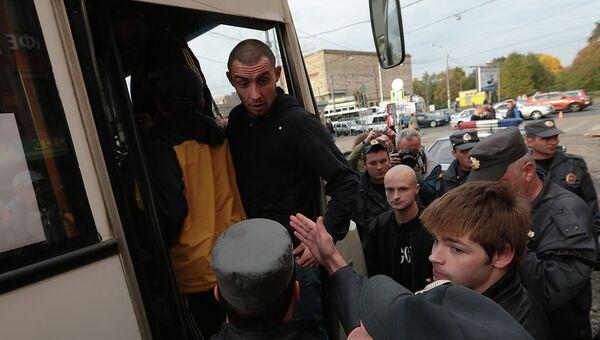 Задержания на сходе против преступности в Петербурге. Фото с места события