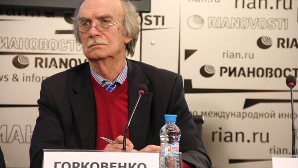 Дирижер оркестра Станислав Горковенко на пресс-конференции в РИА Новости 25 сентября