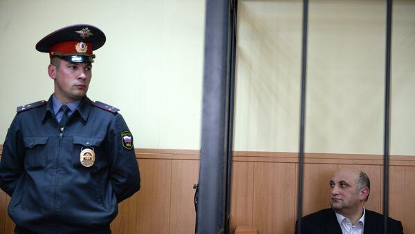 Рассмотрение ходатайства о продлении ареста Арнольду Шалмуеву