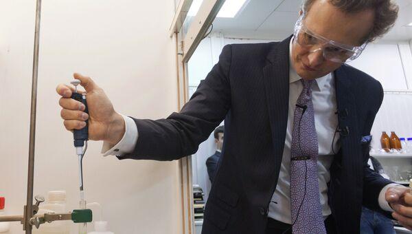 Химик Валерий Фокин во время открытия инновационного территориального биофармкластера на базе МФТ. Фото с места события