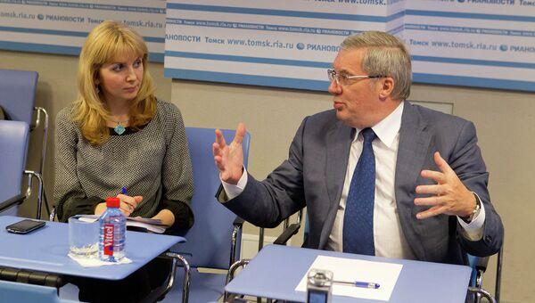 Виктор Толоконский в пресс-центре РИА Новости Томск