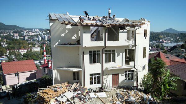 Снос незаконно построенного дома в Сочи