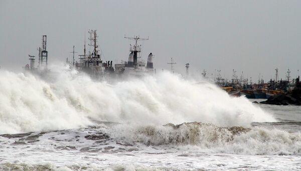Циклон Файлин в Индии. Фото с места события