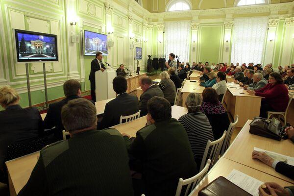 Иван Кляйн на встрече с избирателями в ТГУ