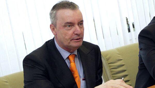 Заместитель посла Нидерландов в России Онно Элдеренбош, избитый накануне вечером