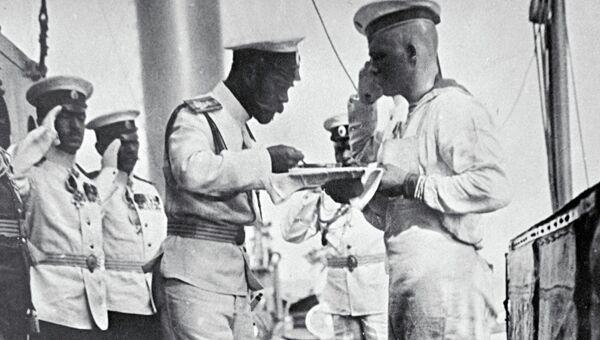 Российский император Николай II  на палубе
