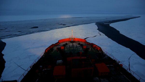 Огонь ОИ провезли на крупнейшем в мире атомоходе и зажгли на Северном полюсе