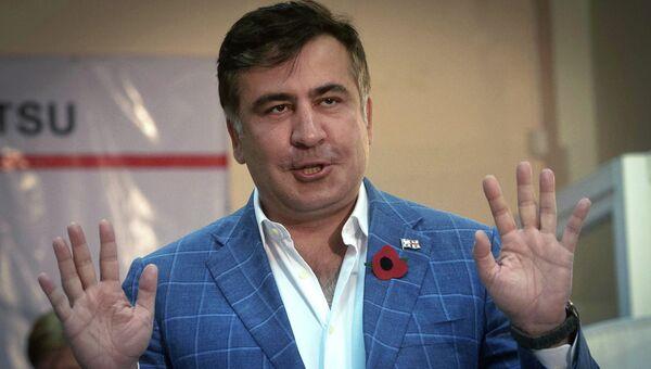 Президент Грузии Михаил Саакашвили после голосования на президентских выборах