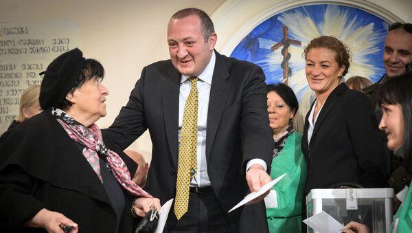 Кандидат в президенты Грузии от партии Грузинская мечта Георгий Маргвелашвили голосует на президентских выборах