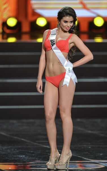 Обладательница титула Мисс России 2013 Эльмира Абдразакова во время полуфинала конкурса Мисс Вселенная-2013
