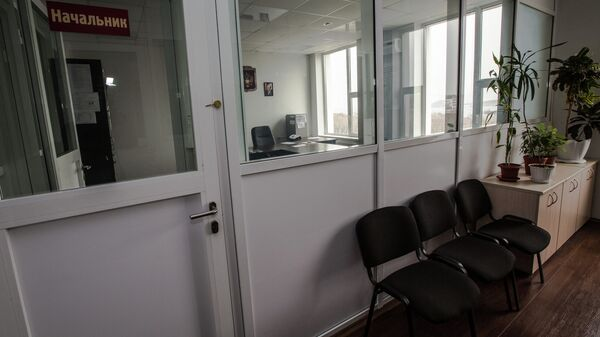 Самый современный полицейский участок - отдел полиции №9 УМВД России по Владивостоку на острове Русском. Кабинет начальника со стеклянной стеной