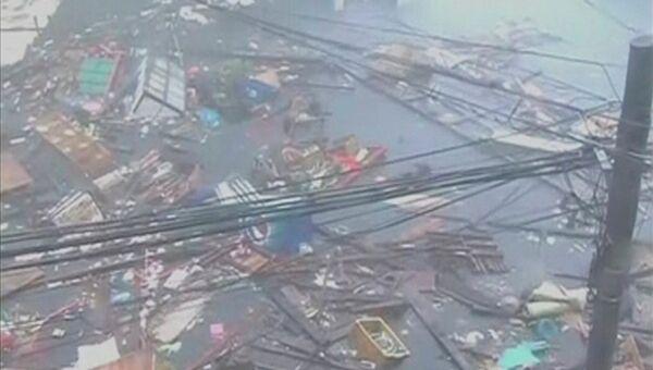 Затопленные дороги из-за тайфуна Йоланда (Хайянь)