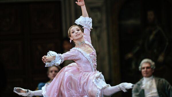 Артистка балета Евгения Образцова в роли Анжелы во время генеральной репетиции балета Даниэля Обера Марко Спада. Архивное фото
