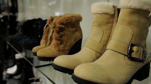 Зимняя обувь в магазине