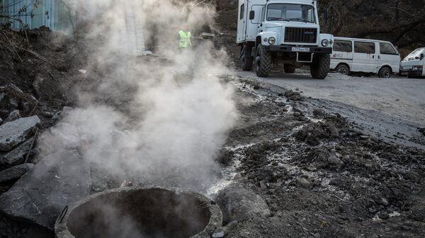 Прорыв канализации во Владивостоке стал причиной серьезной пробки