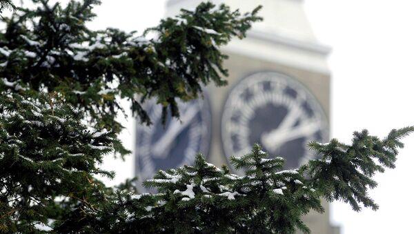 Башня с часами у здания администрации Красноярска, фото из архива