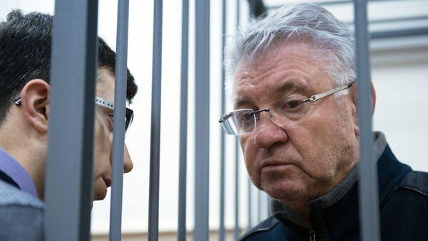 Ходатайство следствия об отстранении от должности мэра Астрахани М.Столярова. Архивное фото