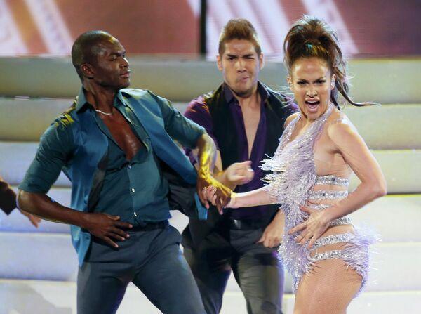 Дженнифер Лопес на 41-й церемонии American Music Awards