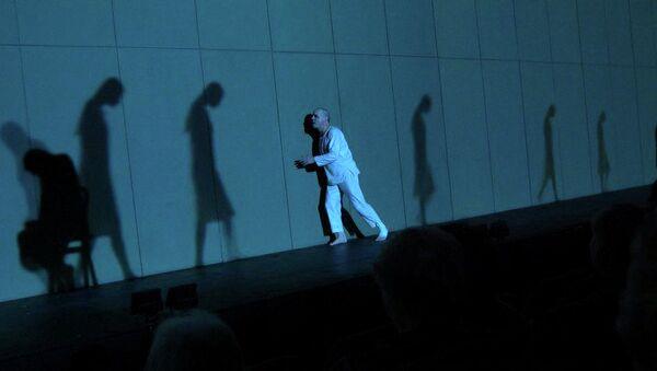 Сцена из спектакля Константин Райкин. Вечер с Достоевским