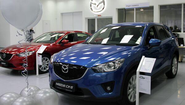 Автомобили Mazda-6 и Mazda-CX-5. Архивное фото