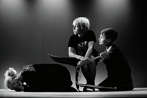 Сцена из спектакля Медея в театре Гоголь-центр