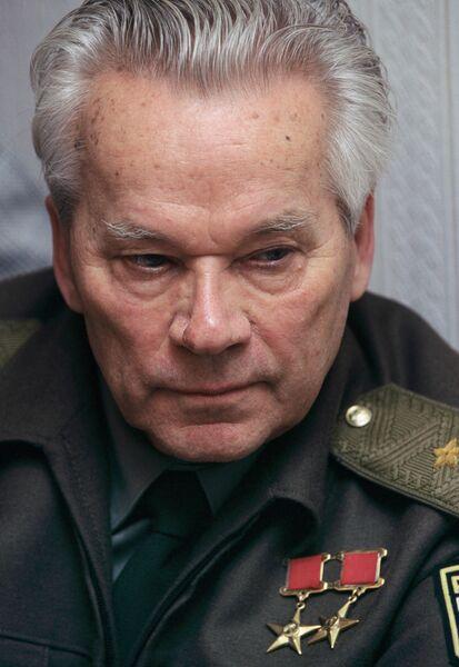 Михаил Калашников, конструктор стрелкового оружия, изобретатель знаменитого АК-47