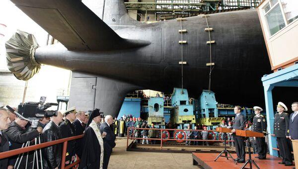 Дмитрий Медведев на церемонии спуска на воду головной многоцелевой подлодки Северодвинск
