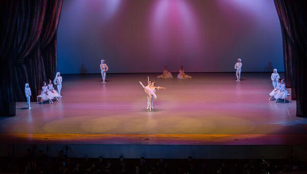 Приморский театр оперы и балета. Архивное фото