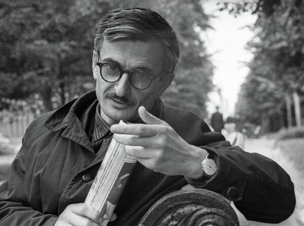 Кинорежиссер Марлен Хуциев