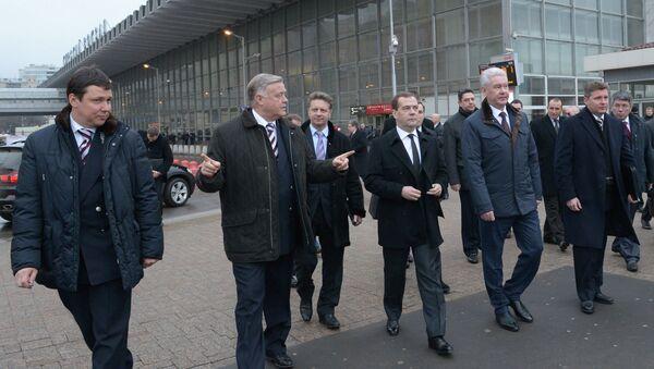 Дмитрий Медведев посетил Курский вокзал. Фото с места события