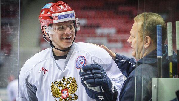 Сергей Соин (слева). Архивное фото