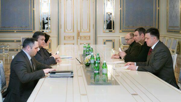 Виктор Янукович встретился с лидерами оппозиции в Киеве