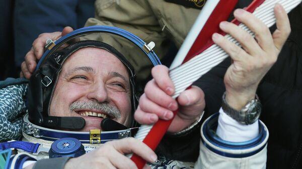 Спуск с МКС капсулы с Олимпийским факелом