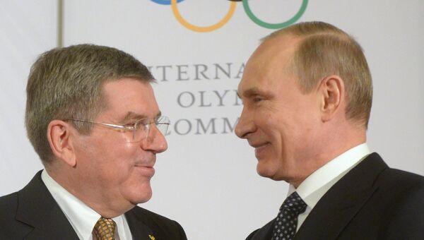 Президент России Владимир Путин и президент Международного олимпийского комитета Томас Бах в Сочи. Фото с места события