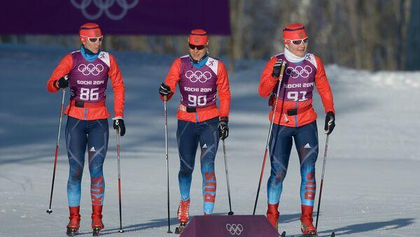 Российские лыжницы Анастасия Доценко, Наталья Матвеева и Евгения Шаповалова (слева направо)