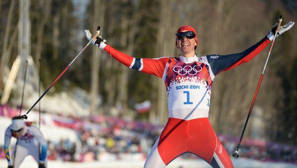 Ола Виген Хаттестад (Норвегия) на финише финального забега индивидуального спринта в соревнованиях по лыжным гонкам среди мужчин на XXII зимних Олимпийских играх в Сочи
