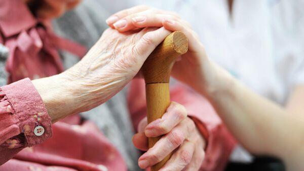 В Британии пенсионерка заказала стриптизера в дом престарелых