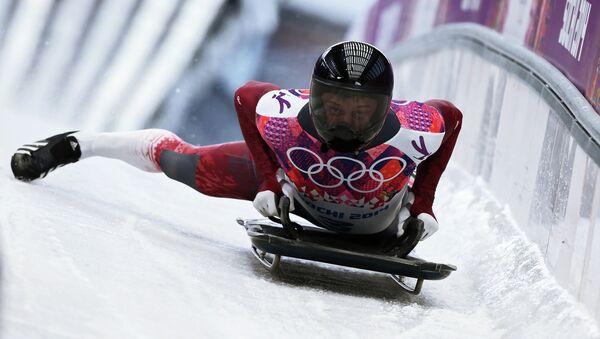 Латвийский скелетонист Мартин Дукурс  на Олимпиаде в Сочи. Архивное фото