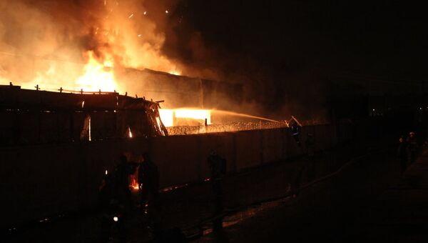 Пожар на складе в Санкт-Петербурге. Фото с места событий