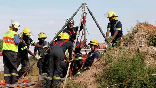 Операция по спасению горняков, блокированных в шахте ЮАР