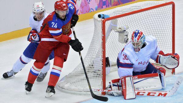 Во время матча квалификационного раунда между сборными командами России и Норвегии в соревнованиях по хоккею среди мужчин на XXII зимних Олимпийских играх в Сочи