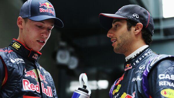 Российский автогонщик Даниил Квят и австралийский автогонщик Дэниел Риккьярдо (слева направо). Архивное фото