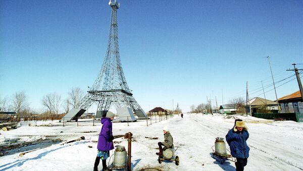 Копия Эйфелевой башни в селе Париж Нагайбакского района