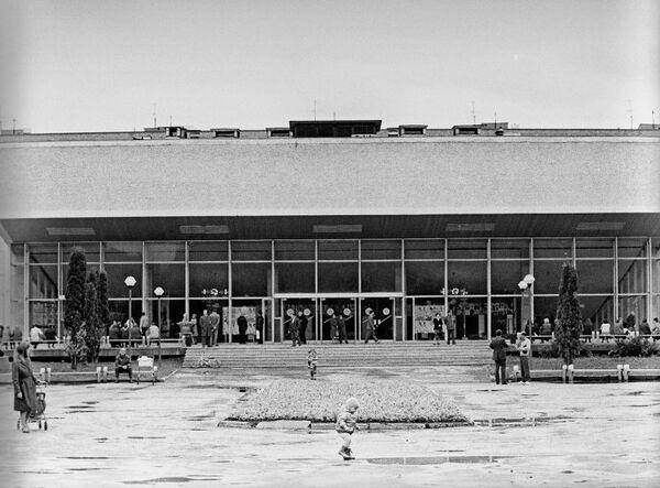 Здание театра Сатирикон
