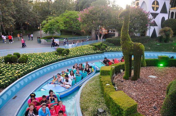 Парк развлечений Диснейленд в Калифорнии