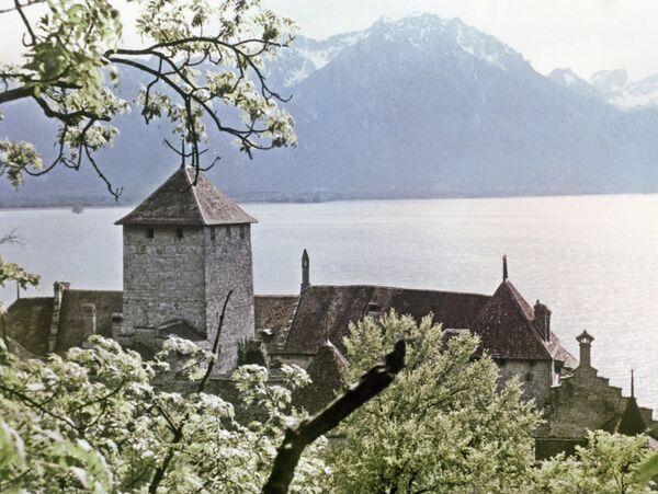 Шильонский замок на Женевском озере